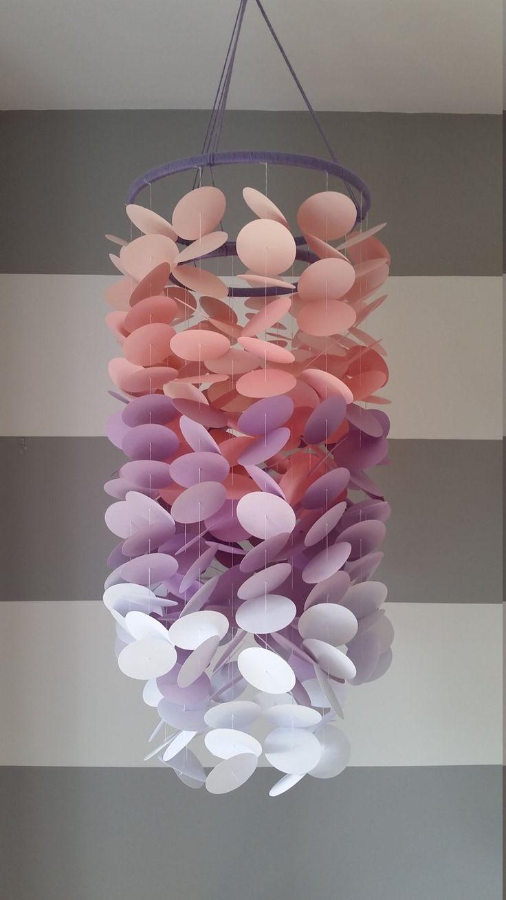 Papier mobile rose, lilas et blanc. Chambre de fille. Chambre de bébé. Décoration pour la chambre des enfants. Papier décoratif mobile