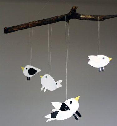 Mobile, Vögelchen  Größe/Maße/Gewicht HxB ca. 31cm x 33cm  Verwendete Materialien Papier  Herstellungsart Mit ♥LIEBE♥ von Hand hergestellt..