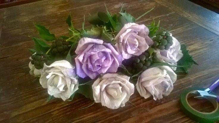 Rose in carta crespa premium 180,  dipinte a  mano. Lerosedimari
