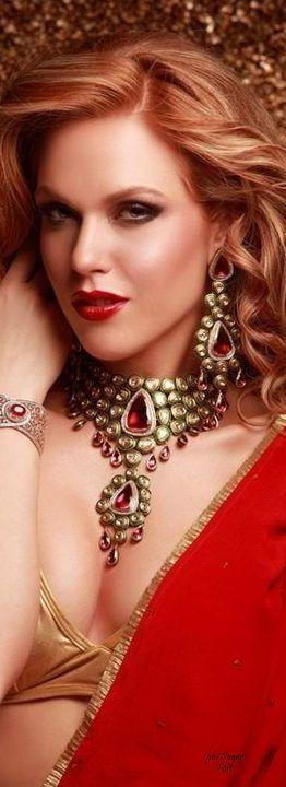 Merdia Sparkly Swan Brooch with Beautiful Created Cat's Eye for Elegant Women 3O2tUtrgPK