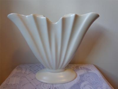 Beswick England Large Fan Shaped Creamware Vase Ebay Crown Lynn And White Pinterest