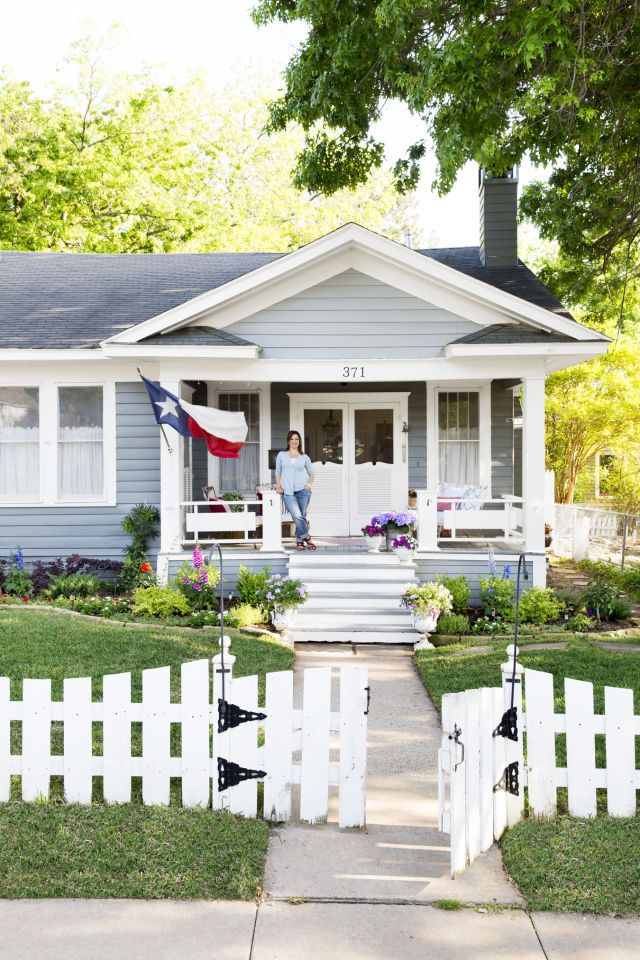 This charming 1930s texas cottage is packed with vintage for Home and cottage magazine