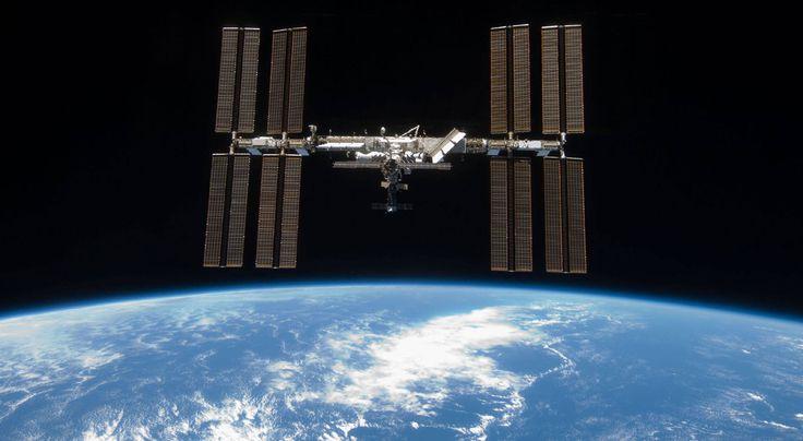 Für kleine Astronauten…14 Millionen Euro kostete die teuerste Toilette der Welt – oder genauer gesagt des Universums. Nicht das Material macht den hohen Wert aus, sondern eine ausgeklügelte Technologie. Die Rede ist von dem WC auf der Internationalen Raumstation (ISS). Das Besondere: Das System kann aus dem Abwasser und Urin Trinkwasser gewinnen.