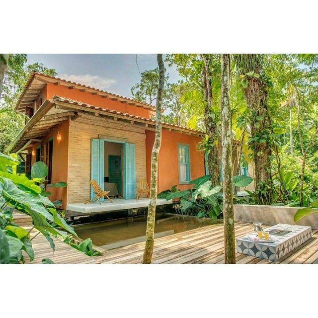 Momento delírio com as casas de praia brasileiras que estão para alugar no @airbnb quero fugir de SP imediatamente!
