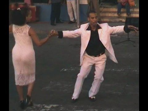 Yoannis Tamayo Castillo dancing son with his partner in 2004.