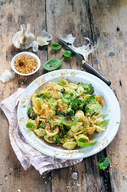 Dorian cuisine.com Mais pourquoi est-ce que je vous raconte ça... : J'aime les pâtes et les légumes… Alors orecchiette au pesto de brocoli ! Pour un nouveau No Meat Today...