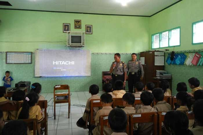 Tribratanewsmagelangkota.com – Kepala Unit Pembinaan Masyarakat Polsek Magelang Selatan Magelang Kota Jawa Tengah Ajun Komisaris Polisi