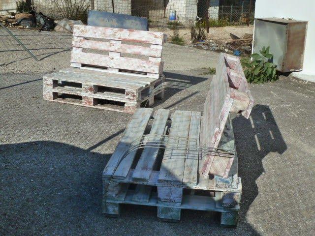 ΑΦΡΟΛΕΞ - ΜΑΞΙΛΑΡΙΑ: Καναπέδες κατασκευασμένοι από παλλέτες