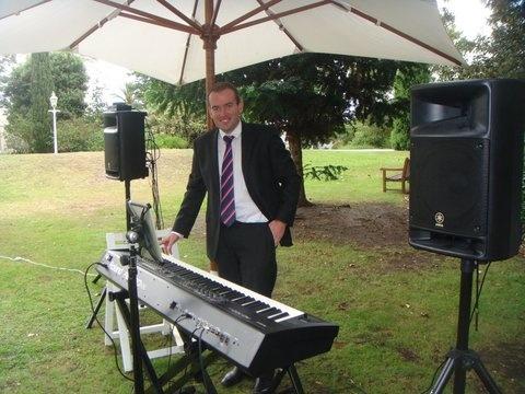 Benny Martin wedding pianist  www.bennymartin.com.au
