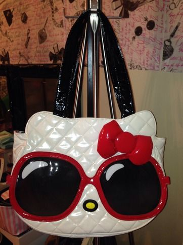 It's Sugar Hello Kitty Tote Bag Barely used/ like new condition.