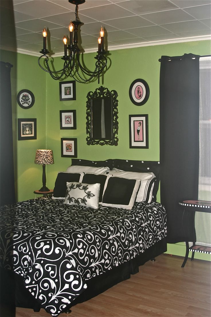 White and green bedroom - Green Black And Pink Just Painted My Bathroom This Green Color Hum May Spread Bedroom Greengreen Bedroomsblack White
