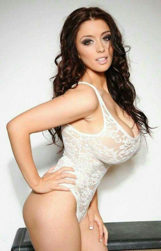 Melanie Jagger Works Hard To Drain Two Big Dicks