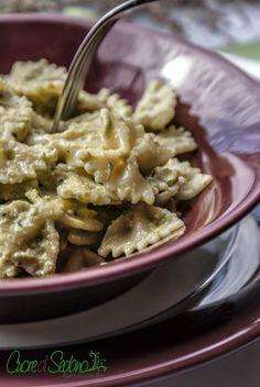 Farfalle con crema di zucchine e noci ~ cuore di sedano
