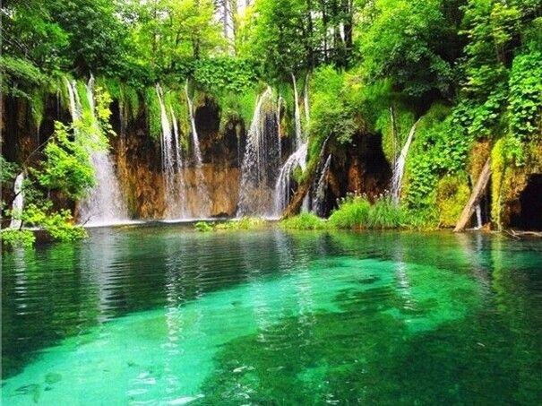 Waterfalls pictures for screensavers waterfall for Screensaver hd gratis