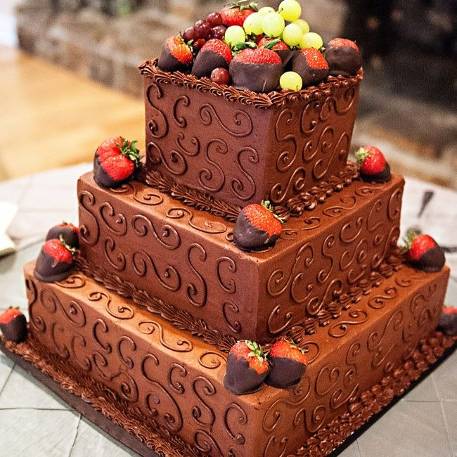 Grooms Cake With Chocolate Covered Strawberries