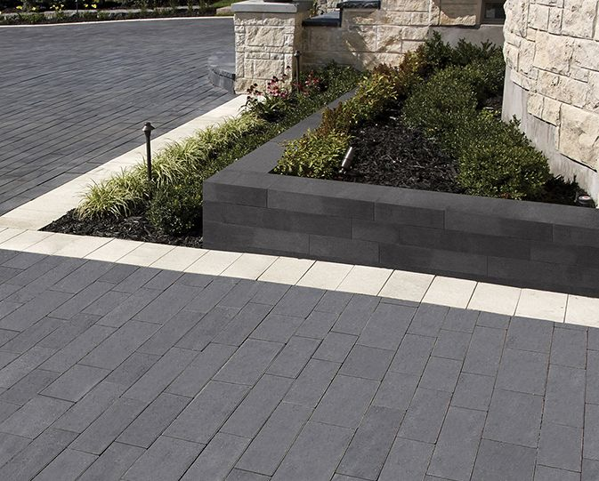 The sleek Modan wall system is the perfect choice for contemporary outdoor designs