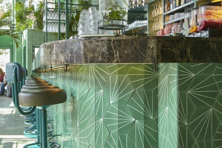 Экологический дизайн интерьера бара
