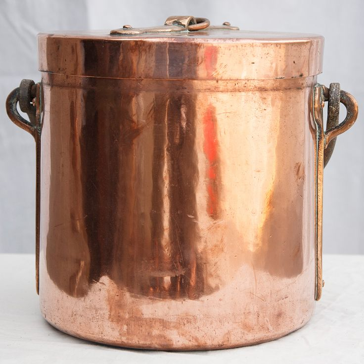 Nineteenth century copper stock pot with lid. 10.5