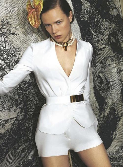 Photographer Toni Thorimbert for IO Donna February 2012 as 'Scacco Al Colore'