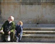 Los Abuelos que tienen una estrecha relación con sus Nietos suelen padecer menos depresiones.
