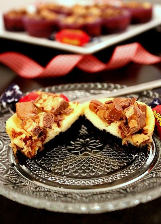 Wicked sweet kitchen: Pienet Snickers & Dumle juustokakut - Mini snickers cheesecakes