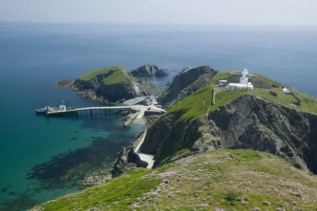 Lundy island off the north coast of Devon.  Great day trip from Bideford, Clovelly or Ilfracombe (image by guest-travel-writers.com)