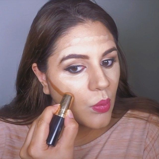 With all the water retention and bloating your entire face changes when you're pregnant hence contouring (a.k.a spanx for your face) is a must. Here is how I contour!  What I used:  Motives Color Perfection Quad in light Bobbi Brown Stick Foundation in No. 7 Anastasia Beverly Hills Contour Kit  Make Up Forever HD Translucent Powder  #lifestylemama #pregnancy #pregnant #mamatobe #babymama #mydubai #blogger #fashionblogger #beautyblogger #pregnantlife #motherhood #dubaimommyblogger #dubaimums…
