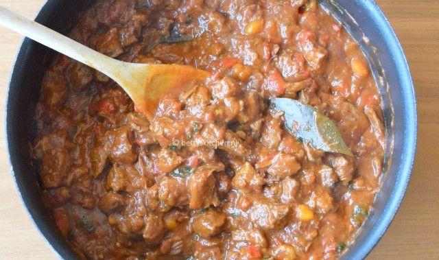 Recept: Goulash (Stoofschotel van vlees en paprika) - Betty's Kitchen