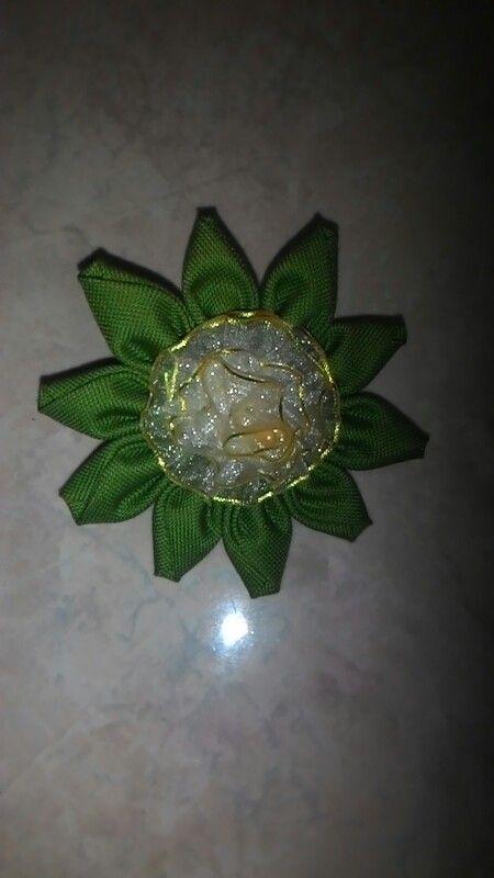 Katun organdi flower brooch