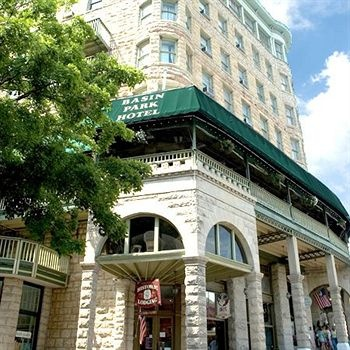 Eureka Springs, Basin Park Hotel second floor restaurant.  Must try the Shrimp  Kisses (butterfly shrimp, cream cheese, wrapped in bacon and deep fried).  Yum!