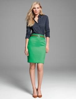Green Skirt, beige pumps