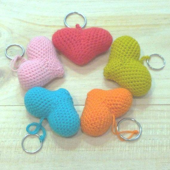 Llavero corazón amigurumi regalo san valentín llavero por Niozeka