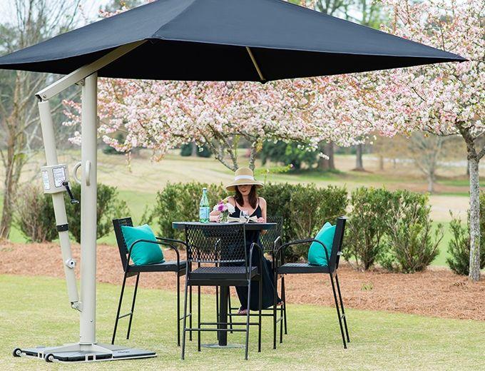 Superior Recreational Productsu0027 Portable Retractable Umbrella Is A Great  Poolside Umbrella Or Dining Patio Umbrella