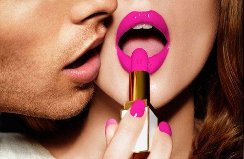 matching nails & lips