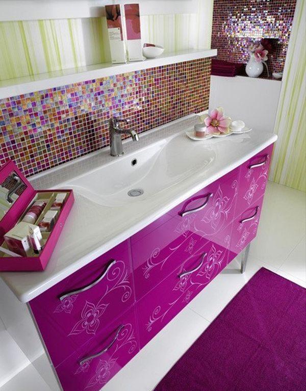 lilás pink mozaik fürdőszobában