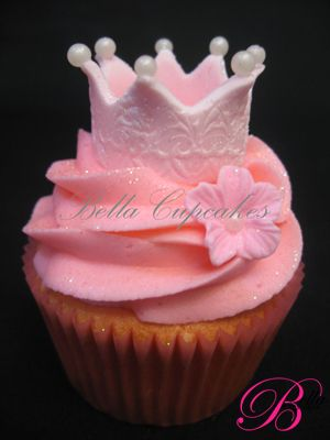 pretty princess crown cupcake delilah birthday party - w/ gold tips on the crown maybe?
