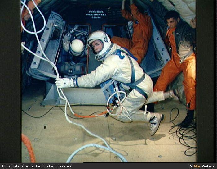 GEMINI 4 ASTRONAUTS WHITE AND MCDIVITT NASA 8x10 SILVER