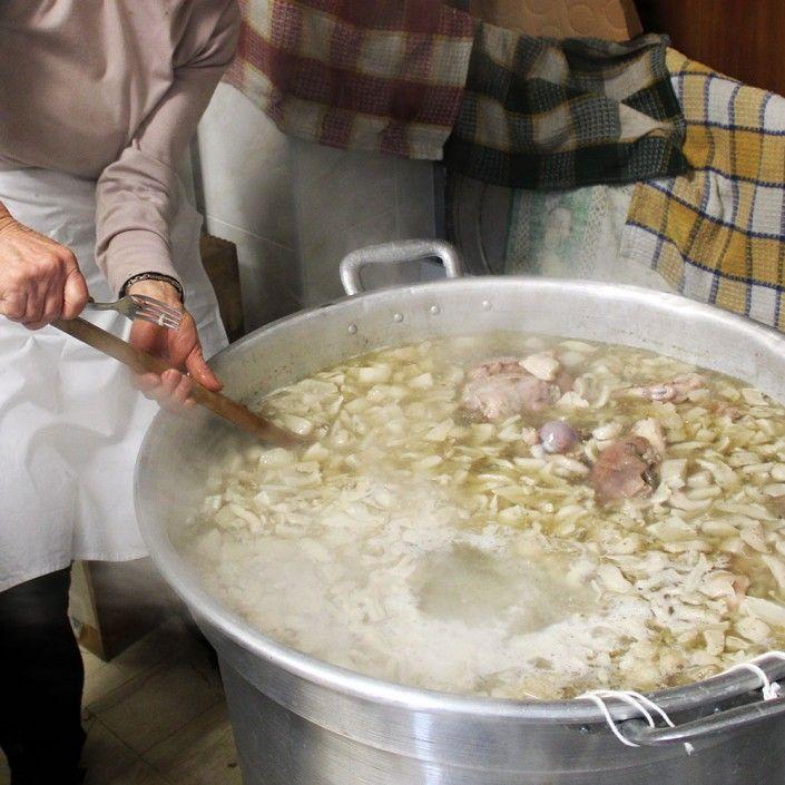 Piatti tipici della tradizione calabrese: la Caddara di maiale di Catanzaro