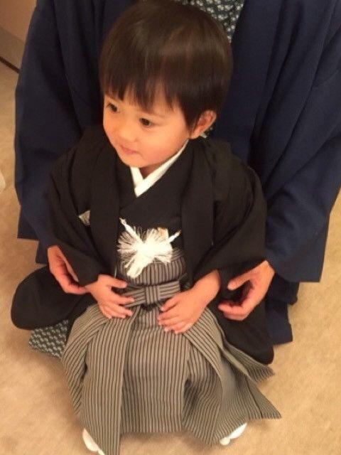 第十一代市川海老蔵さんの愛息子「堀越勸玄(かんげん)」くん。わずか2歳ながら、この度歌舞伎座にて初お目見えとなりました。パパの血を引いてかすでに大物っぷりを発揮!歌舞伎役者としての第一歩を踏み出した勸玄くんをご紹介。