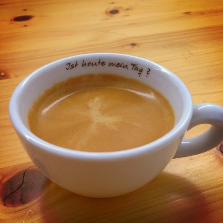 Kaffee an Alle rüberschieb ;-)