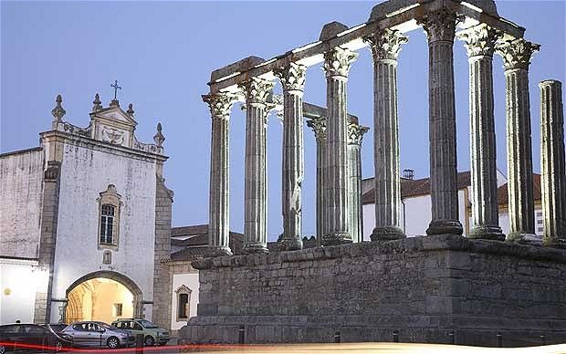 Évora, Portugal: a cultural city guide | Stephanie Plentl offers an essential cultural guide to a city whose walls conceal unique culinary and architectural treats | Telegraph Travel | 06.06.2011. #alentejo #visitalentejo #portugal #visitportugal #travel #evora #culture #cultural #guide #telegraph