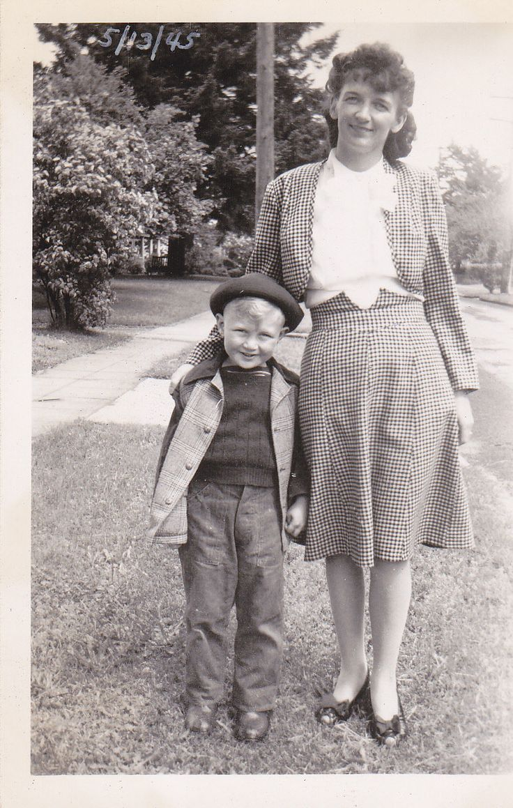 The best dressed pair in town. #vintage #1940s #mother #child #fashion