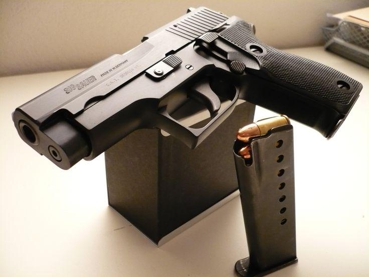 Sig Sauer P6 (Police version of P225).