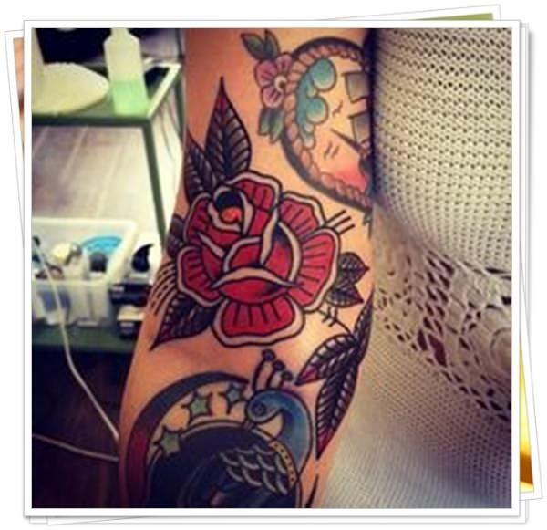 53 Tatuaggi Old School Il Nuovo E Il Vecchio pertinente Tatuaggio Rosa Old  School Uomo
