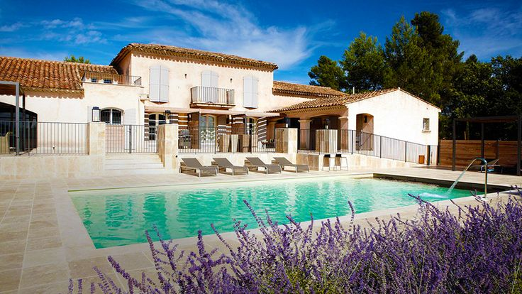 Maison bertine has been designed with a contemporary zen spirit in mind right in the heart of verdant Provence, between the Côte d'Azur and the Nature Reserve of the Gorges du Verdon, between Aix en Provence and Saint-Tropez.