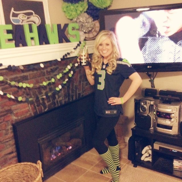 Seattle Seahawks Game Day Outfit good idea but with a cowboys theme