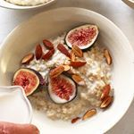 Summer in a word: figs! Bulgur cooked in almond milk with toasted almonds, honey, and figs. #recipeoftheday #breakfast #porridge #feedfeed #f52grams #bobsredmill #healthy #healthydelicious #bowlsofplenty #foodandwine