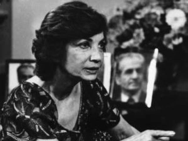 Ashraf Pahlavi twin sister of last Iran shah dead at 96 - The Express Tribune
