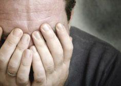 10 carenze nutrizionali che causano depressione e sbalzi d'umore e gli alimenti dove trovare i nutrienti (FOTO)