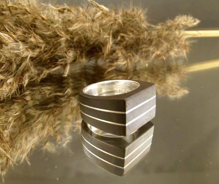 Oryginalny pierścionek ze srebra i egzotycznego drewna http://oryginalna-bizuteria.pl/opis/4746096/pierscionek-elegant-bronze.html